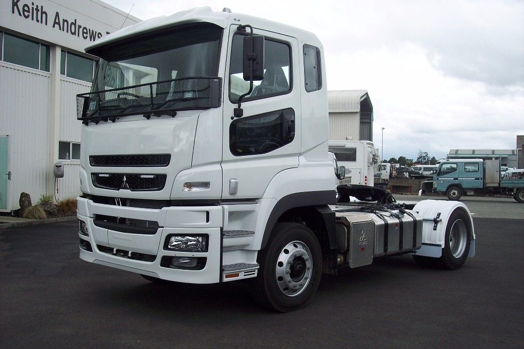 2017 FUSO HD FP1641 Tractor unit